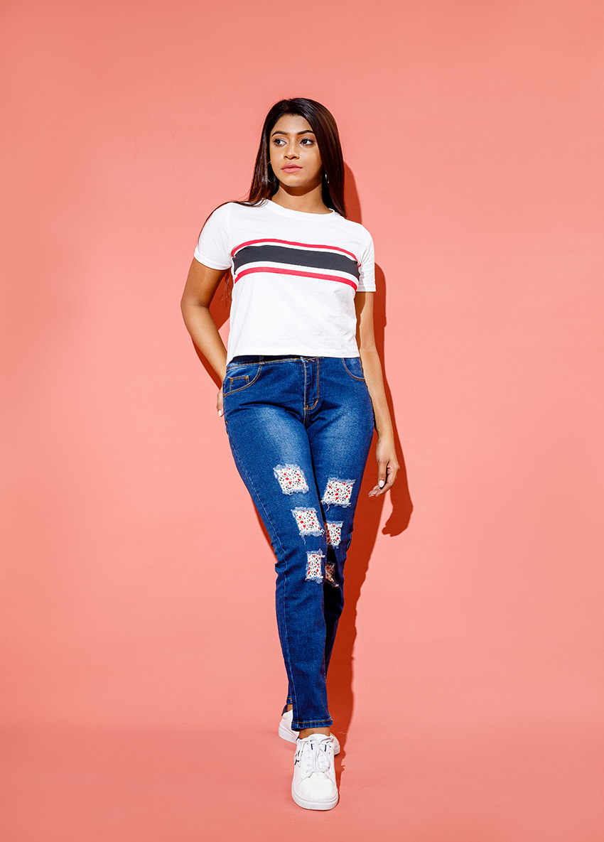 Women Skinny Fit Mid-Rise  Jeans