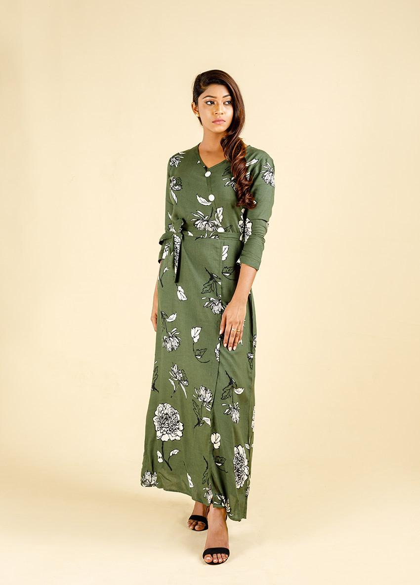 Women Green colour three quarter sleeve maxi Dress