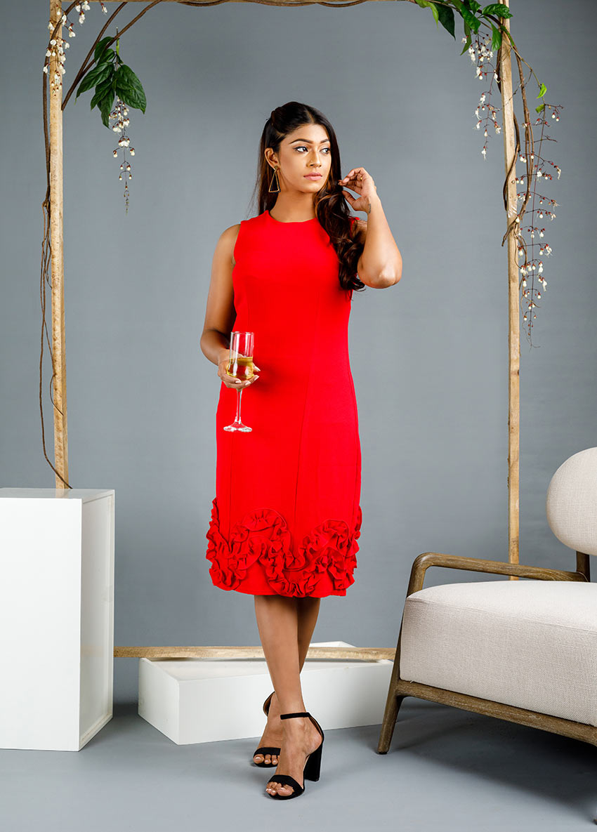 Women red solid  sleeveless party dress