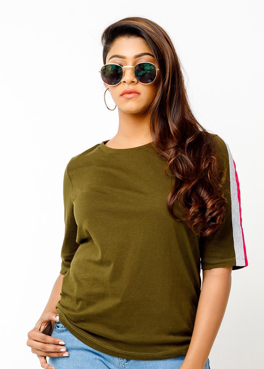 solid round neck t-shirt