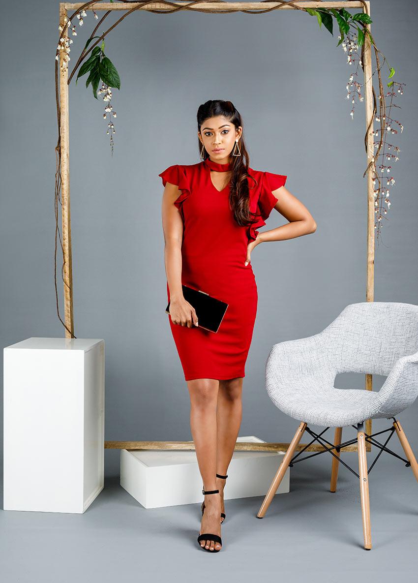 Women maroon  sleeveless short party dress