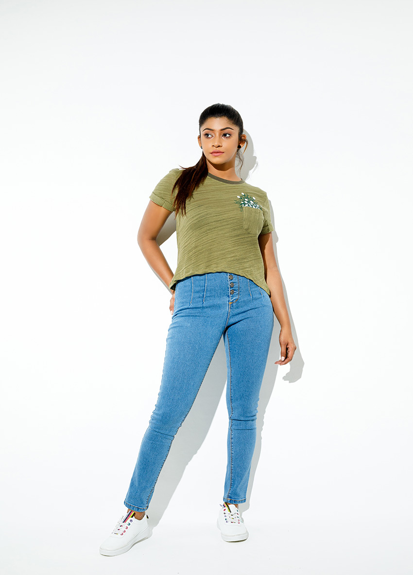 Women Slim Fit High-Rise Jean