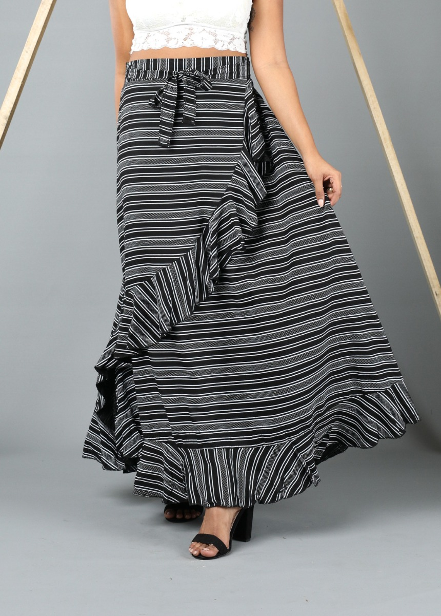 Women Black and White Colour Printed Flared Maxi Skirt