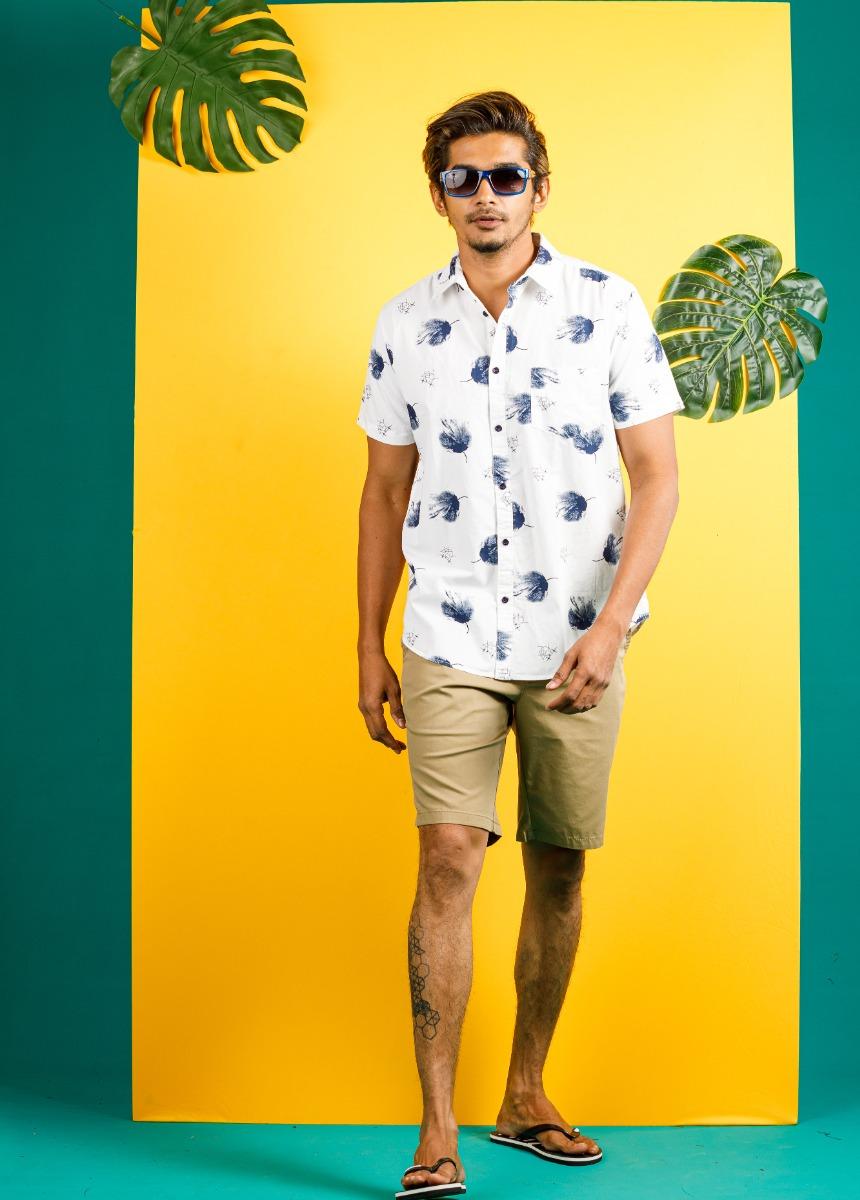 Men Beige Solid Slim Fit Chino Shorts