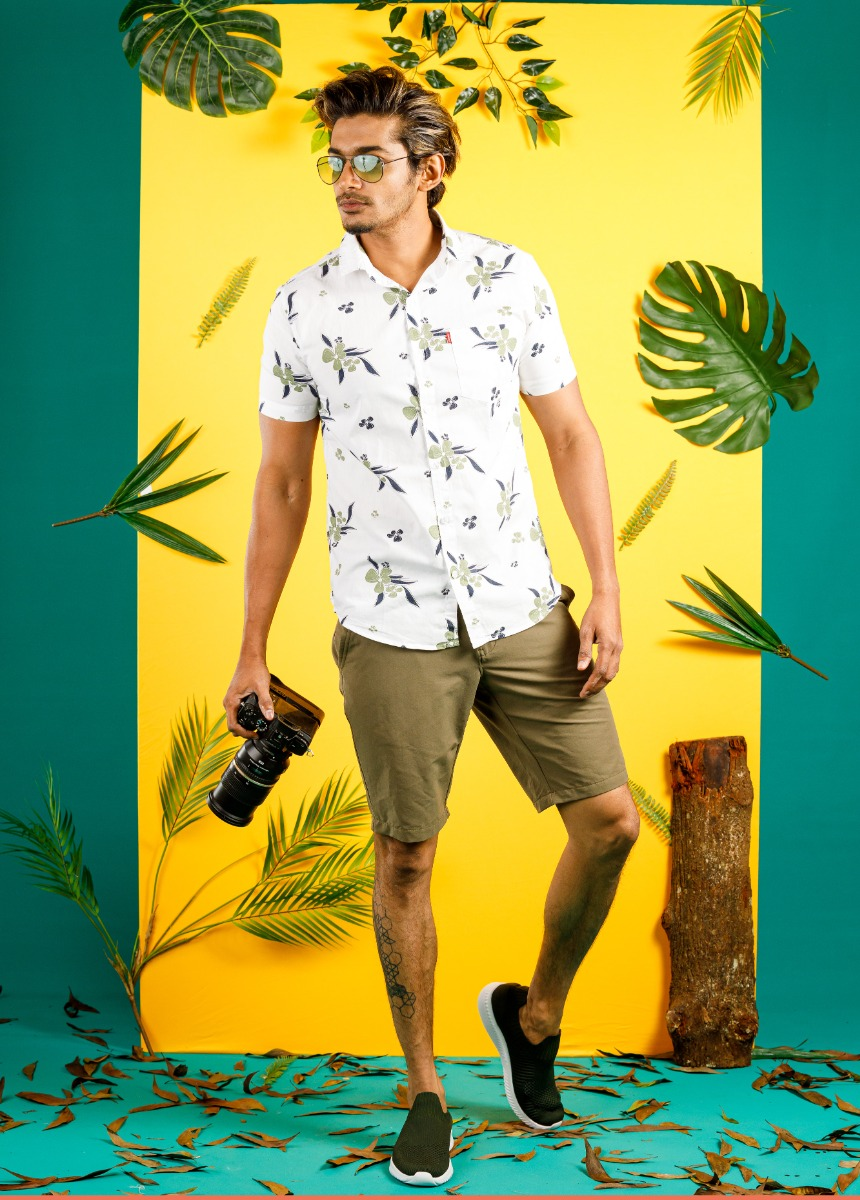 Men Olive Green Solid Slim Fit Chino Shorts
