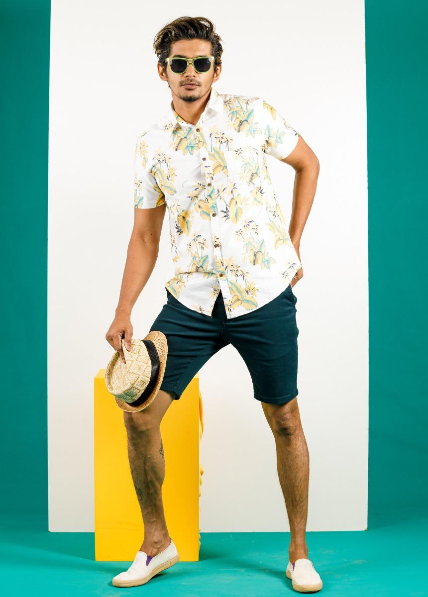 Men Green  Solid Slim Fit Chino Shorts