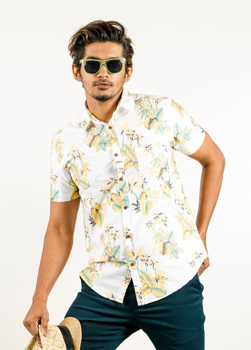 Men White &  Green Slim Fit Printed Casual Shirt