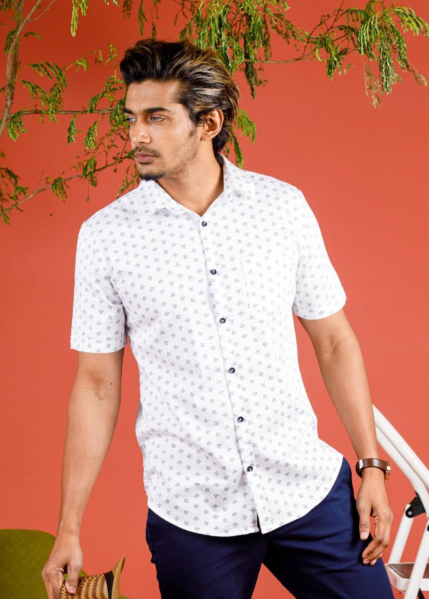 Men White & Blue   Slim Fit Printed Casual Shirt