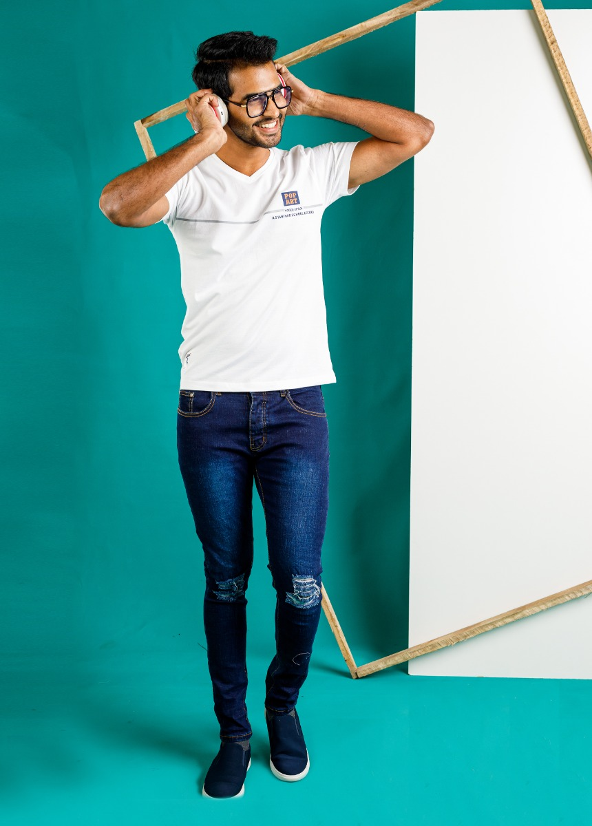 Men Blue Skinny Fit Mid-Rise Mildly Distressed Stretchable Jeans