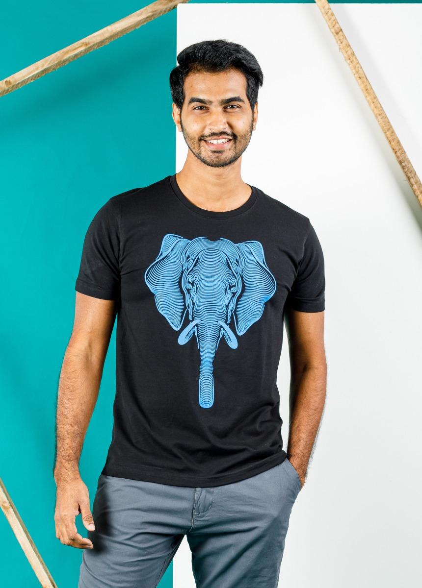 Men Black  Printed Slim Fit Round Neck T-shirt