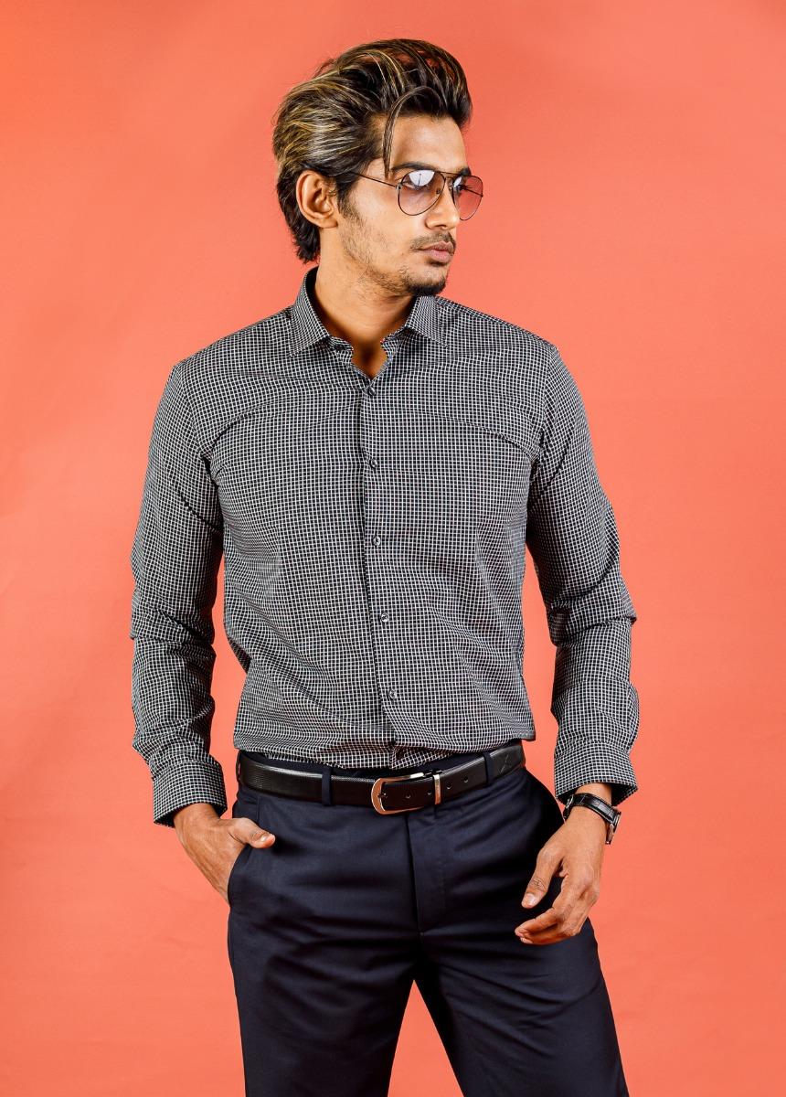 Men's Black  & White Slim Fit Checked Formal Shirt